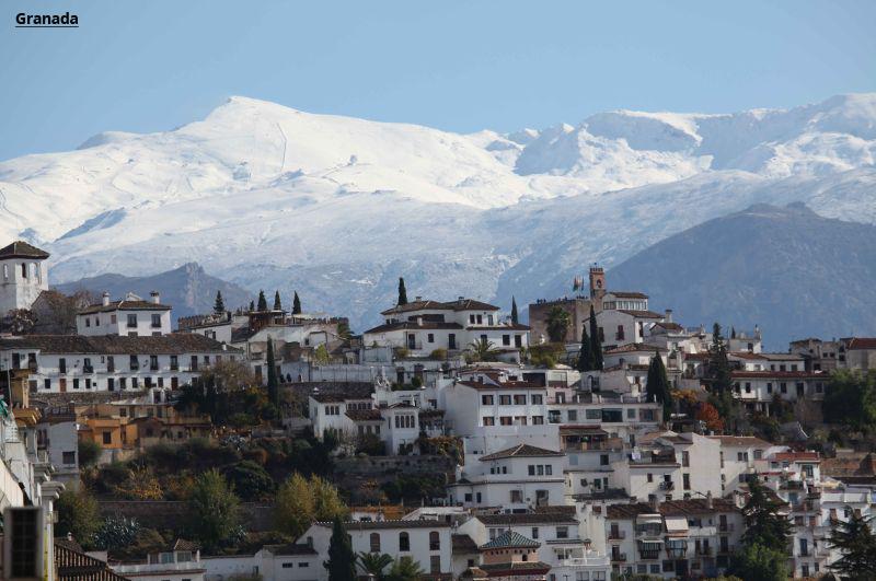 Andaluzija Granada avio putovanje čarter let prolećna putovanja