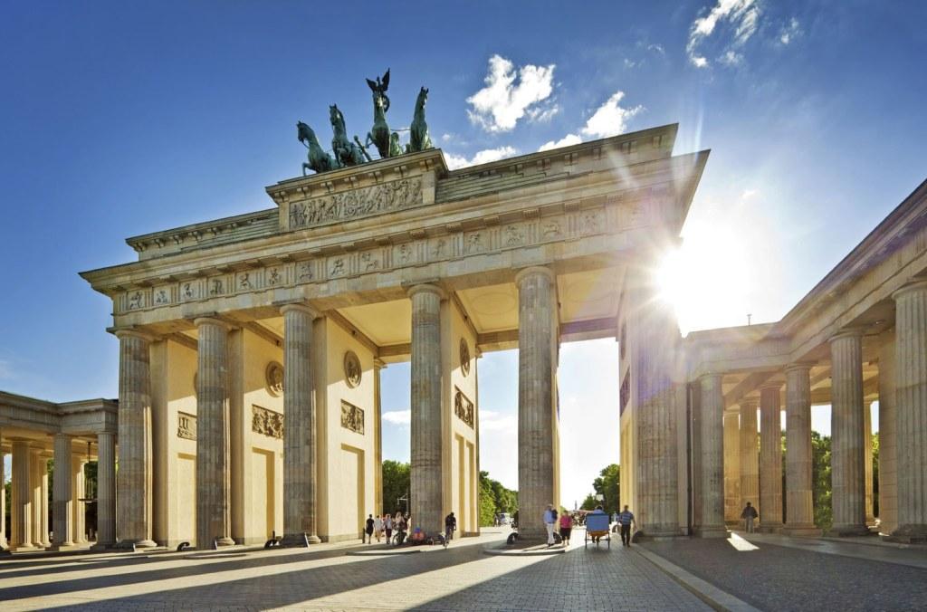 BERLIN - PUTOVANJE AVIONOM - ARANŽMANI USKRS, PRVI MAJ