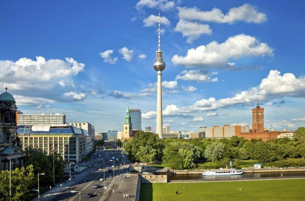 BERLIN AVIONOM CENE ARANŽMANA