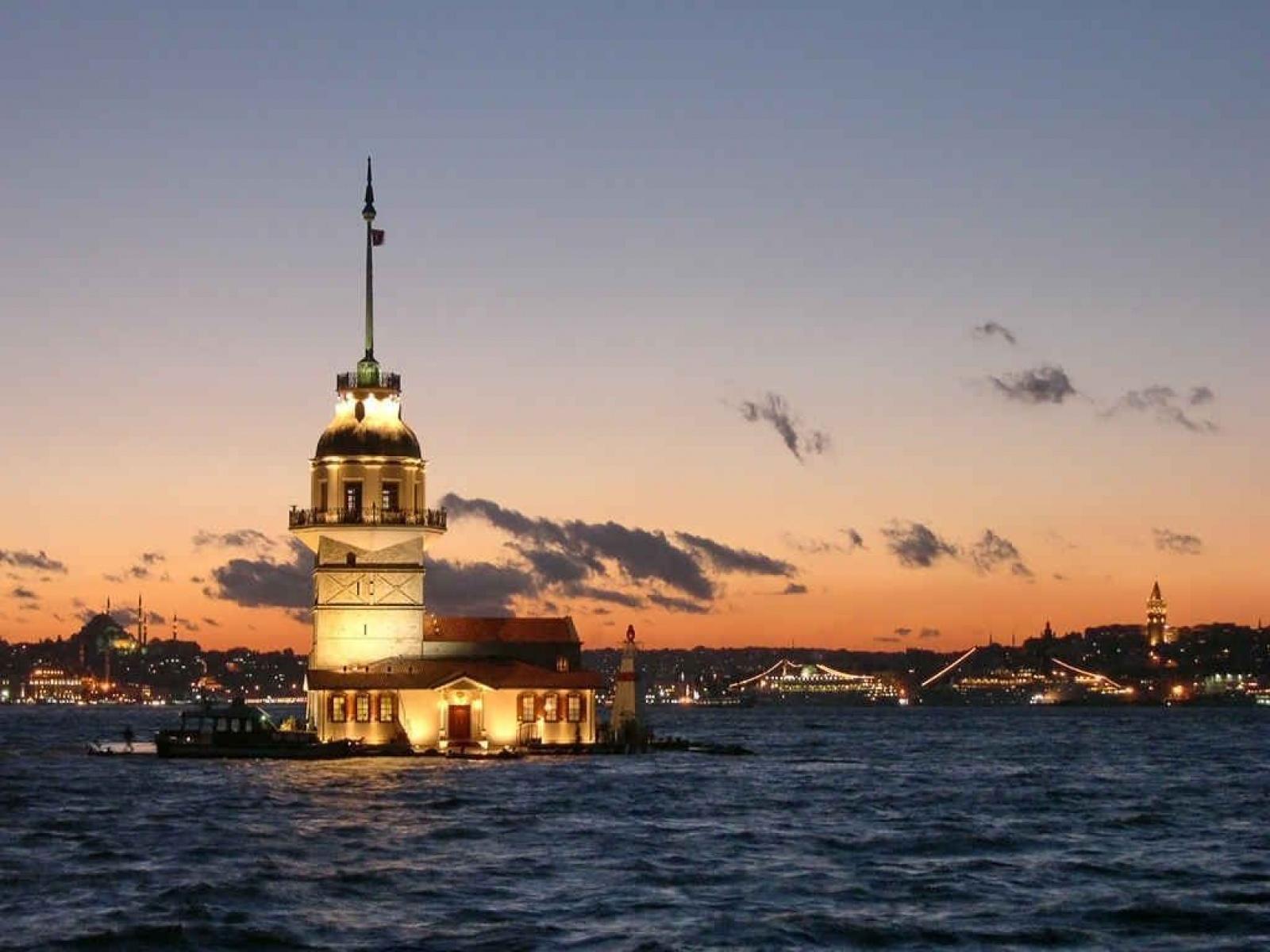 ISTANBUL - OBILACI - AVIONOM - PROLEĆNA PUTOVANJA CENE