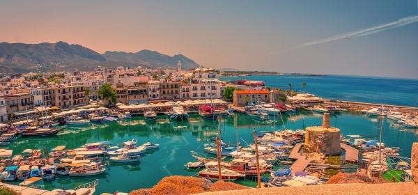 Kipar Uskrs direktan let Kirenia