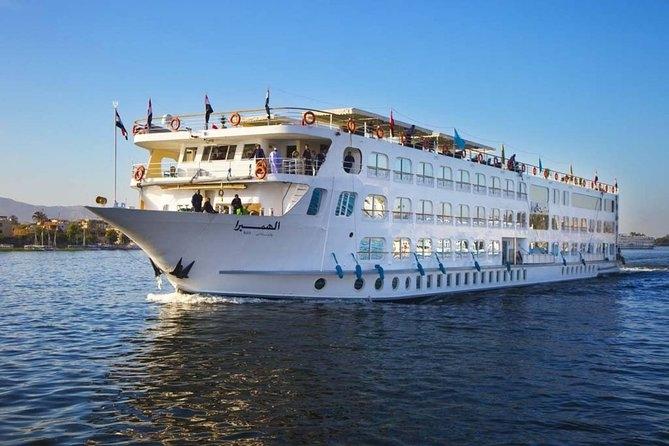 Krstarenje Nilom Egipat oktobar brod se može razlikovati od ovog sa slike