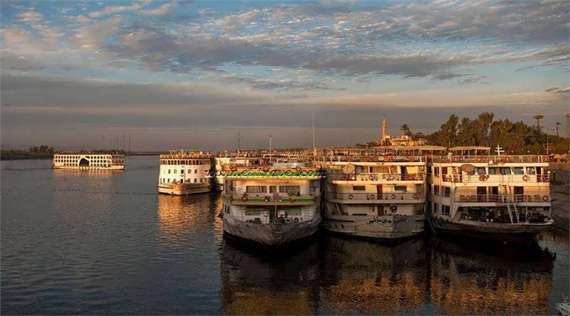 Krstarenje Nilom Egipat oktobar brodovi