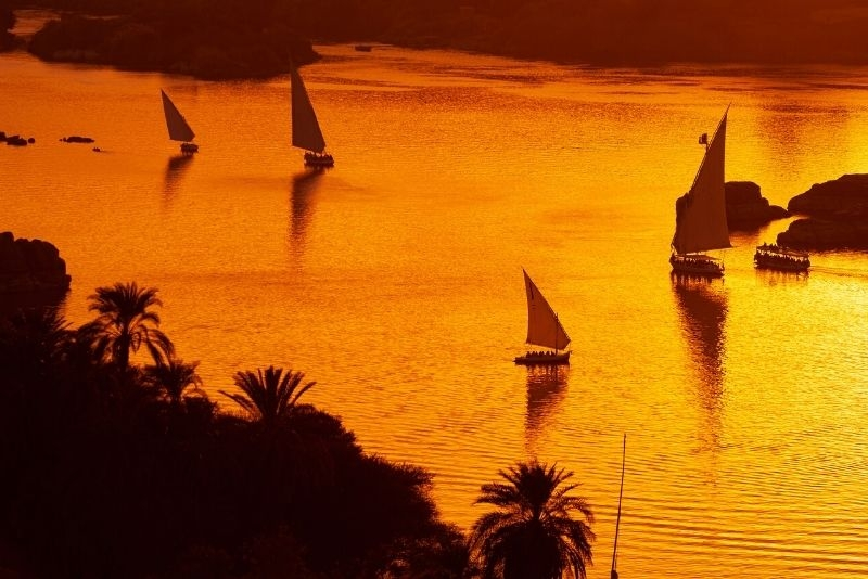 Krstarenje Nilom Egipat oktobar zalazak na reci