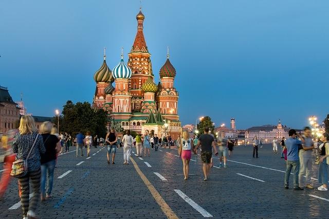 moskva i petrograd jesenja putovanja evropske metropole gradovic