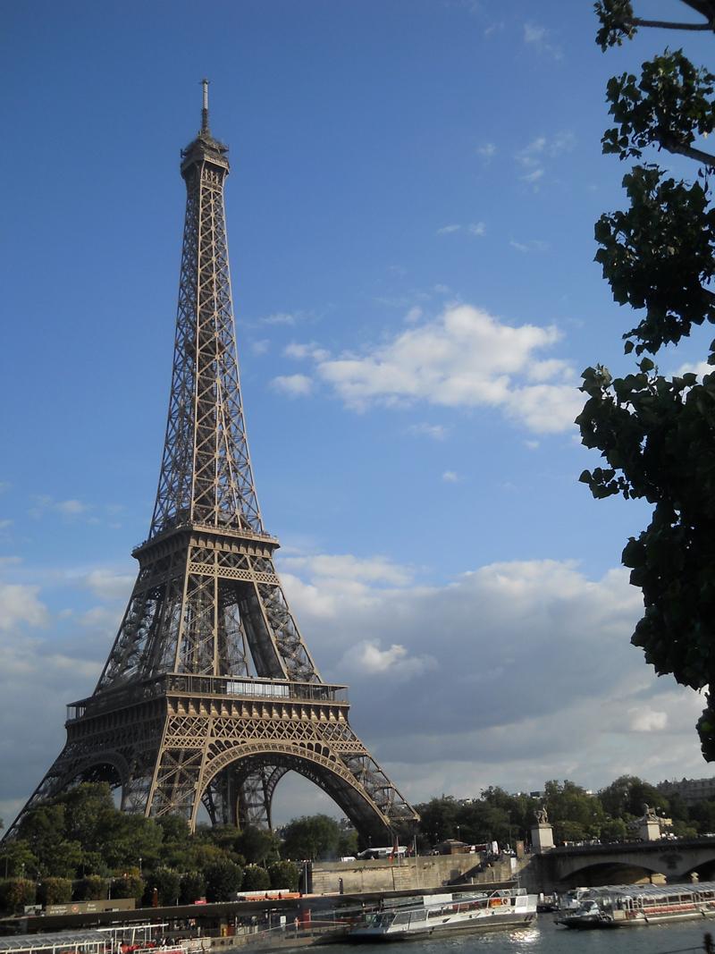 Pariz - ponude za uskrsnja putovanja - bus putovanje last minute