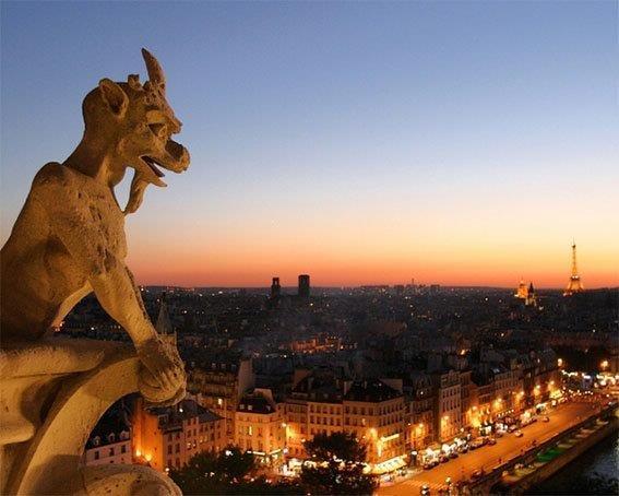 FRANCUSKA U NOVEMBRU INDIVIDUALNO PUTOVANJE AVIONOM PARIZ