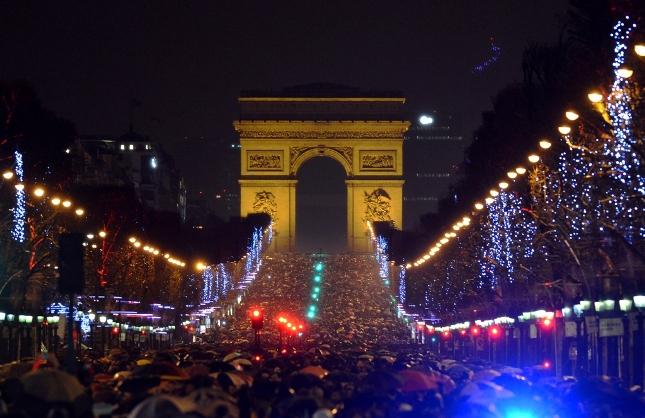 PARIZ NOVA GODINA 2020 AUTOBUSOM