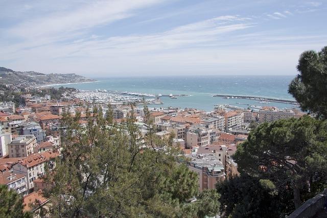 Sanremo Italija francuska prolećna putovanja avio bus