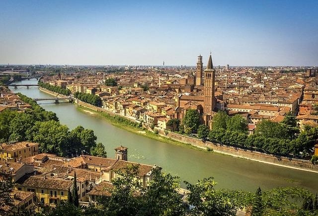 Verona Italija francuska prolećna putovanja avio bus