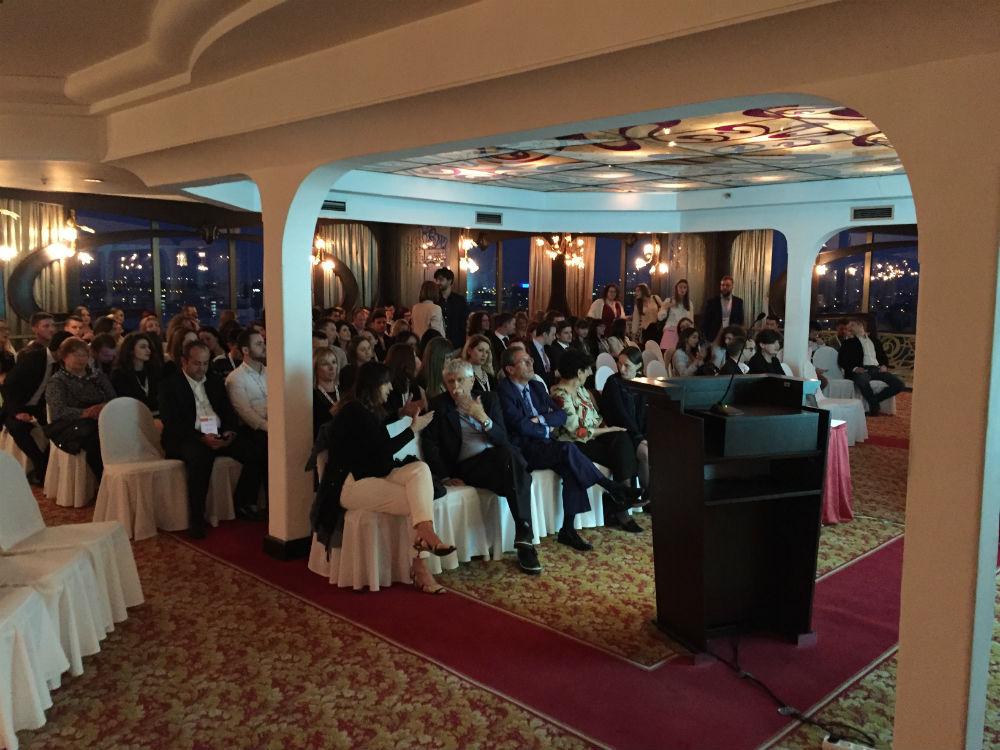 konferencijske usluge kongresi prevod prevodioci tehnicka oprema za konferencije