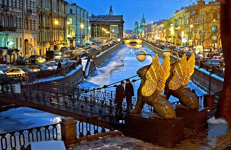 najbolje destinacije za uskrs i prvi maj st peterburg moskva