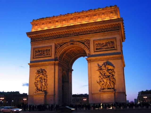 Pariz - prolećna putovanja - Uskrs i 1. Maj - putovanje autobusom