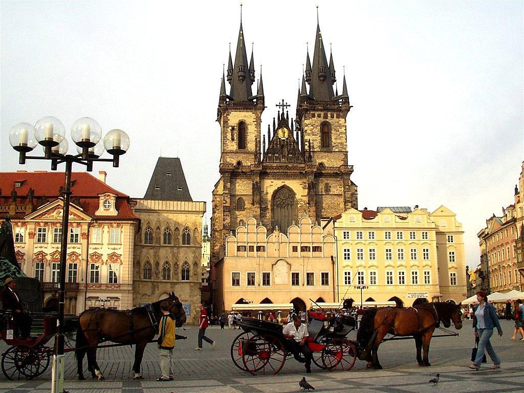 prag jesenja putovanja evropske metropole gradovic