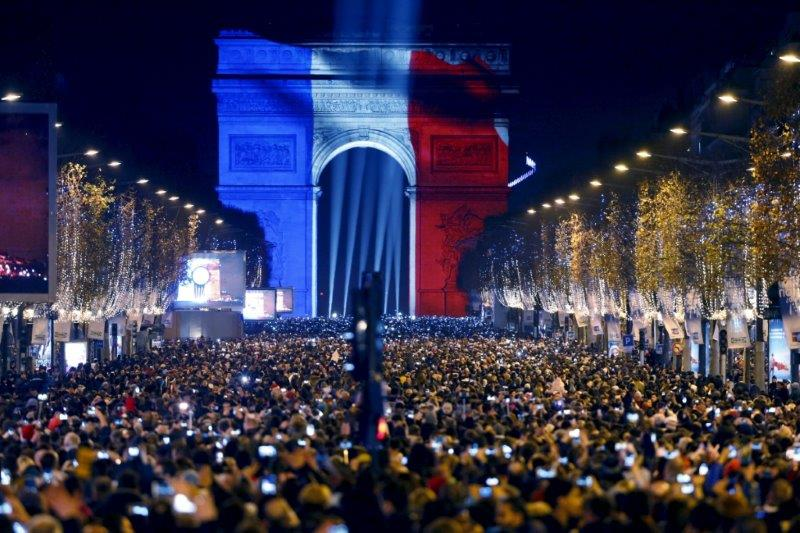 proslava nove godine u parizu