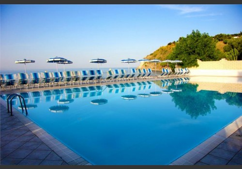 leto Hotel Villaggio Baia D'ercole Resort avionom Italija Kalabrija