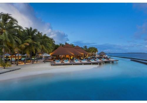 Hotel Kurumba Maldives letovanje Maldivi smeštaj more bungalovi