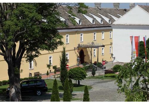 Hotel Leopold I Novi Sad Serbia incoming