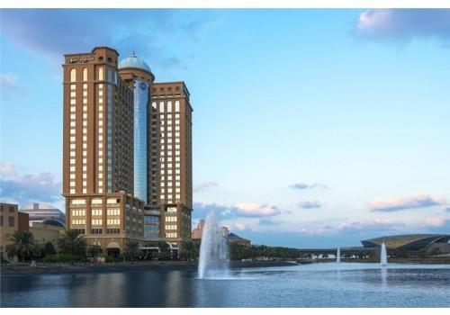 Hotel Sheraton mall od the emirates DUBAI letovanje 5 zvezdica paket aranžman beograd avion cena more leto 2019