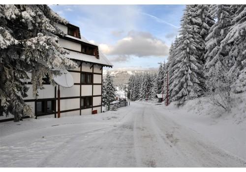 KOPAONIK HOTEL SREBRNA LISICA WINTERING SKIING