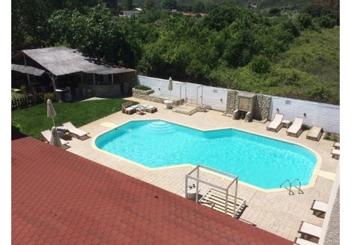 Kuća Vamvinis Sarti Sitonija Grčka more letovanje Halkidiki leto 2019 bazen ležaljke