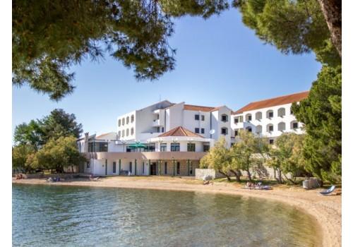 hoteli Pirovac Dalmacija aranžmani putovanje