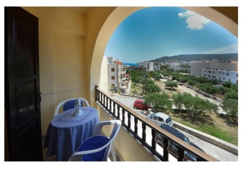 Pantheon aparthotel Pigadia Karpatos last minute smeštaj more Grčka ostrva balkon terasa