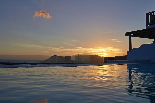 HOTEL MYCONIAN IMPERIAL RESORT & VILLAS GRČKA HOTELI MIKONOS LETO CENA