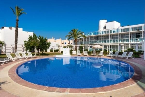 Aparthotel Club Maritimo San Antonio Ibica letovanje paket aranžman more Španija hotelski bazen povoljno