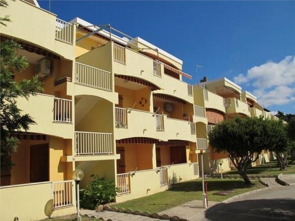 Aparthotel Residence Eucalipty Sardinija Italija Mediteran avionom povoljno cena cenovnik Sredozemno more leto 2019