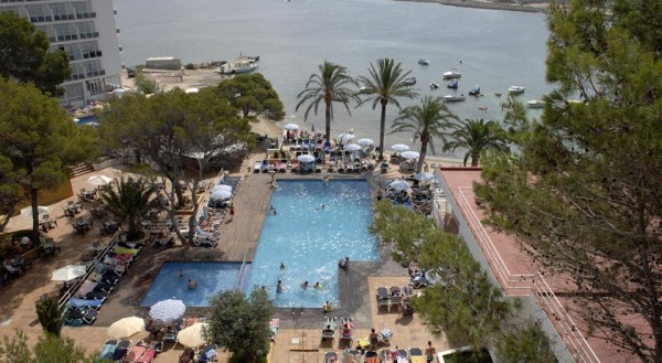 ibica spanija ponuda aranzmani leto hoteli na plazi