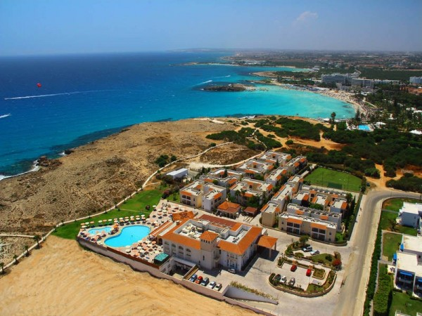 hotel aktea beach village aja napa kipar