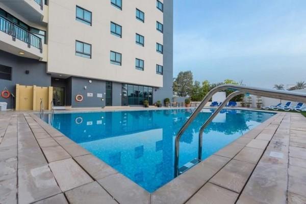 Hotel Arabian park Dubai UAE more letovanje plaža avionom leto bazen