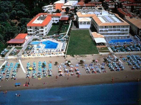 Hotel Astir Laganas Zakintos paket aranžman grčka letovanje smeštaj bazen dvorište plaža