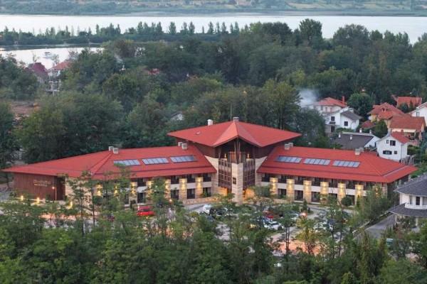Hotel Danubia Park Garni Srebrno jezero smeštaj letovanje