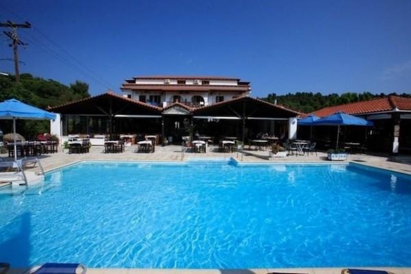 Hotel Golden Beach 2* Kukunaries Bazen