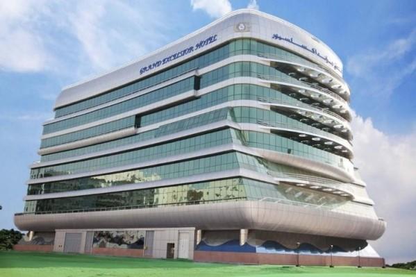 Hotel Grand Excelsior Al Barsha Dubai plaža leto letovanje UAE spolja