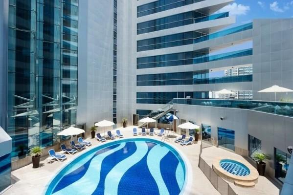 Hotel Gulf Court Hotel Business Bay Dubai paket aranžman letovanje avionom bazen