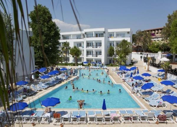 Hotel Larissa Beach Club SIde bazen ležaljke suncobrani paket aranžman letovanje Turska