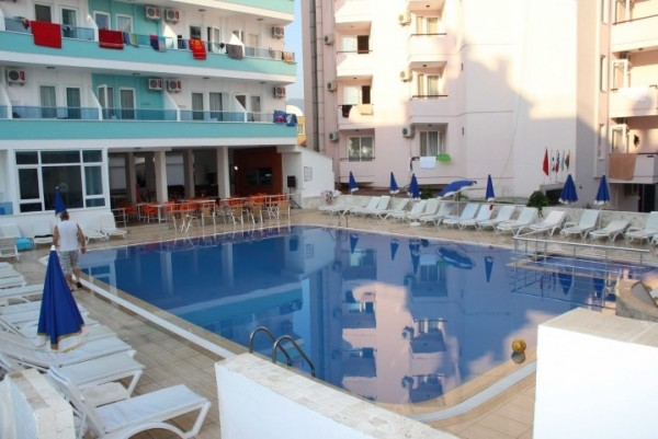Hotel Mesut Alanja Turska more plaža bazen letovanje povoljno avionom 7 dana spoljni bazen