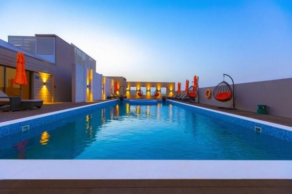 Hotel Occidental IMPZ Dubai UAE avionom paket aranžman letovanje more plaža otvoreni bazen