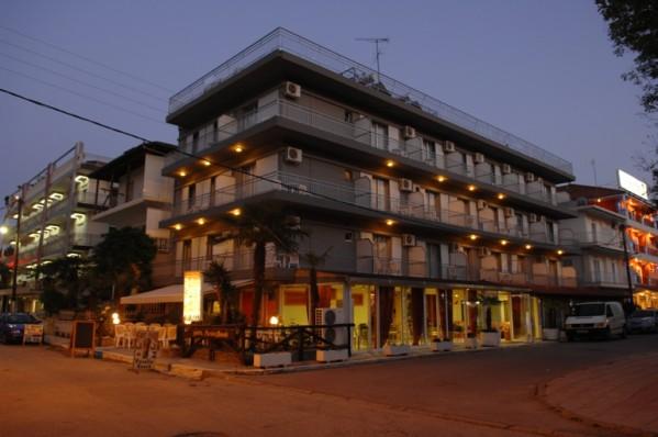 PARALIJA HOTELSKI SMESTAJ POVOLJNO LETOVANJE