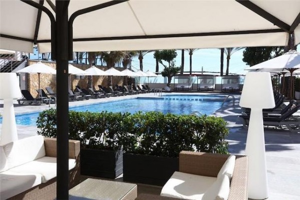 Hotel Playa Golf 4* Bazen