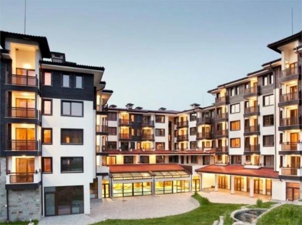 Hotel Saint George Ski & Holiday Bansko Bugarska zima skijanje spolja
