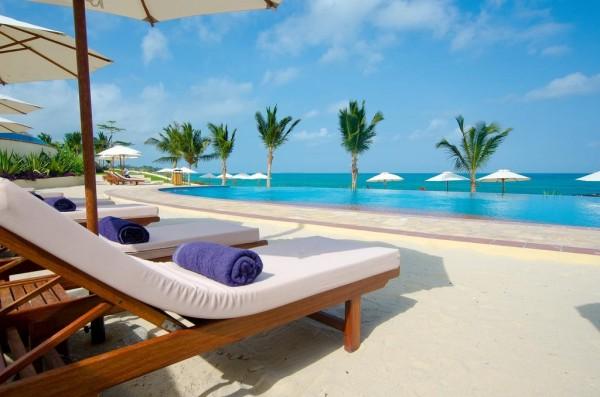 Hotel Sea Cliff Zanzibar ležaljke suncobran peškir bazen