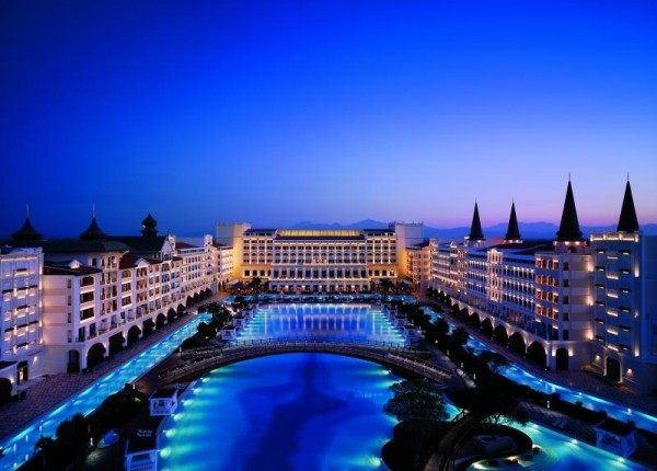 Hotel Titanic Mardane Palace antalija turska golf fudbal tereni