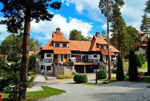 Kraljevi konaci zlatibor srbija apartmanski smeštaj planina letovanje zimovanje