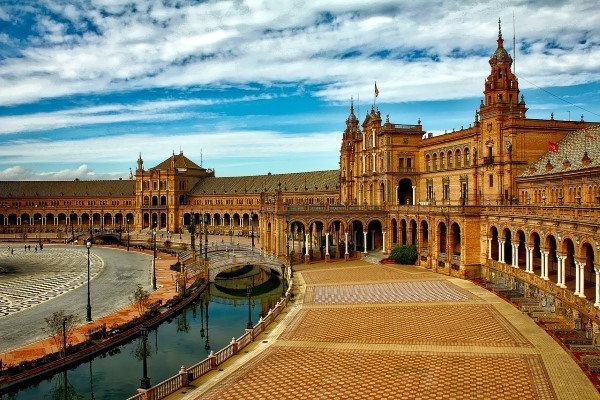 Plaza Espanja Andaluzija proleće putovanje avion Španija