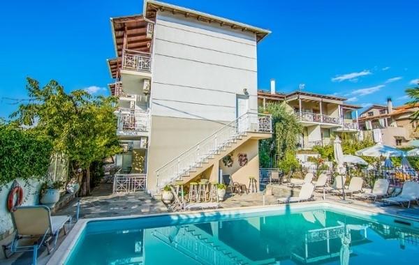 vila contis tasos limenas more leto grčka letovanje plaža bazen