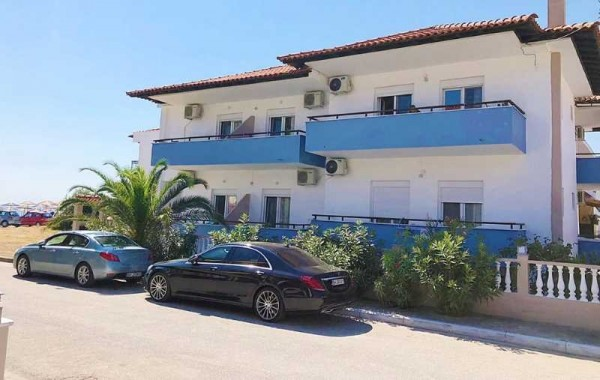 Vila lemar ex diana sarti more grčka smeštaj studio apartman spolja prilaz